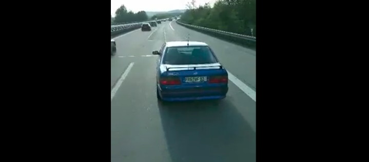 LKW-Fahrer stellt rücksichtslosen Autofahrer mit Video an den Pranger